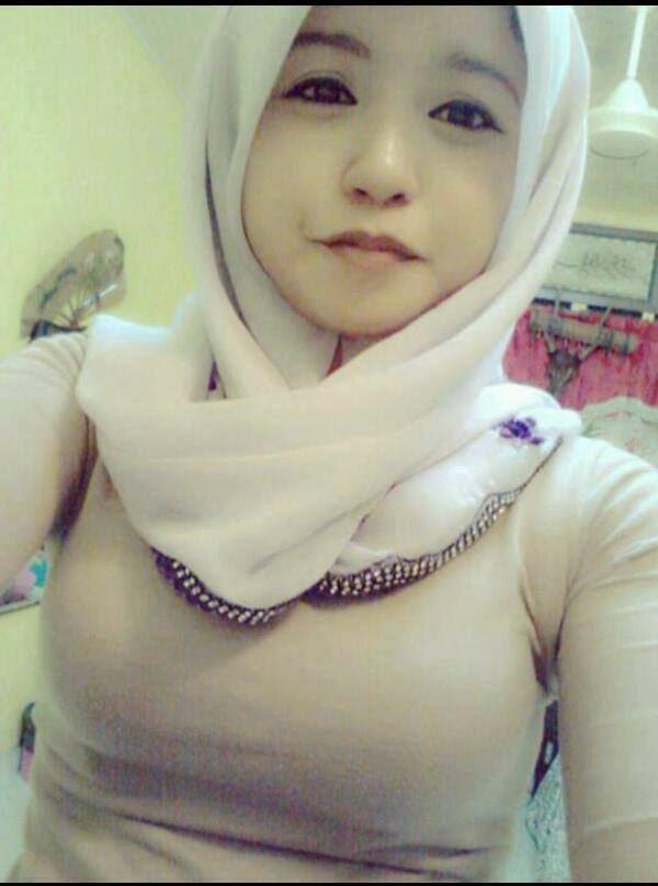 Wanita berjilbab mesum hot terbaru Pic 7 of 35
