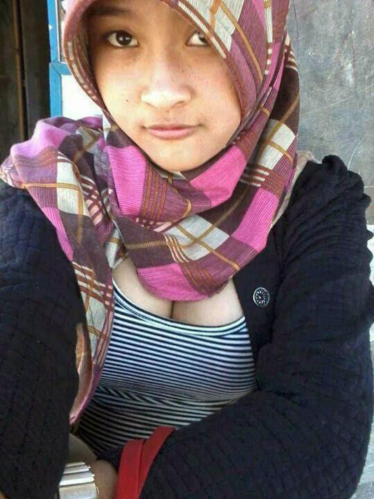 Galeri Foto Gadis ABG Pake Jilbab Ketat dan Seksi 2014 ...